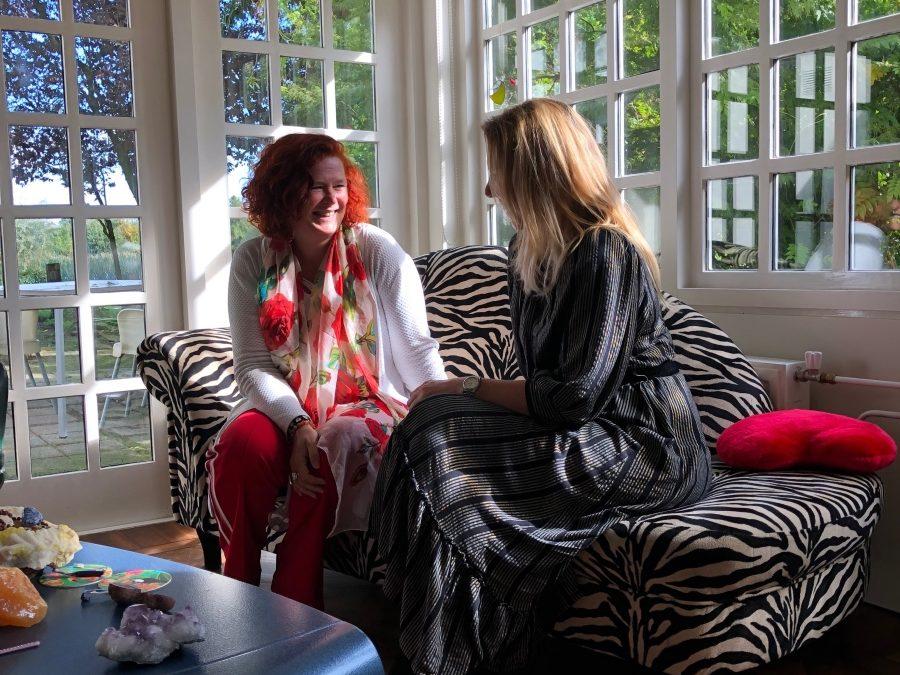 Ik was zo enthousiast over de Trauma healing, dat ik met Leonie een podcast heb gemaakt over haar manier van werken